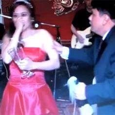 Novio le rompe la nariz a su esposa en plena boda