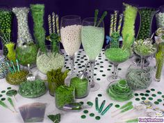 Green Candy Buffet Sprouting with bright green colors, this fun candy buffet features lots of delicious sweets in several sizes, flavors, and shapes. Impress your party guests with unique treats in the color that symbolizes life. Hulk Birthday Parties, 5th Birthday Party Ideas, Birthday Party Decorations, 4th Birthday, Incredible Hulk Party, White Candy Bars, Green Candy, Candy Favors, Best Candy