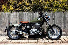 Suzuki Marauder 125 Honda Bobber, Suzuki Motos, Suzuki Bikes, Bobber Motorcycle, Ducati, Suzuki Cafe Racer, Custom Bobber, Custom Motorcycles, Classic Bikes