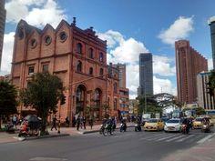 Falcas del Parque Central Bavaria del Centro internacional de San Diego en Bogotá.