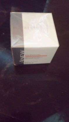 Avon Anew clinical extra strength re-texturizing peel 30 pads contains Glycolic #Avon