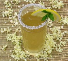 Socata cu miere Juice Drinks, Drink Recipes, Pastries, Pudding, Desserts, Food, Syrup, Canning, Tailgate Desserts