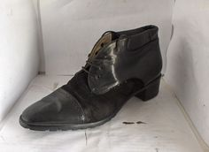 BALLY WOMENS BLACK LEATHER/SUEDE ANKLE BOOT SIZE 9 MEDIUM CAP TOE #BALLY #FashionAnkle