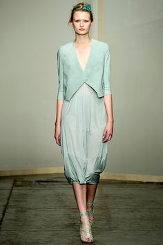 Donna Karan Spring 2013 RTW - Review - Fashion Week - Runway, Fashion Shows and Collections - Vogue