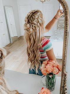 The Wiegands: A quick Hair DIY. Want an extra kick of moisturization for your daily routine? This little combo is easy to whip up and keep next to your makeup so you'll remember to apply every day. #hair #haircare #braid #moisturizer #thewiegands #caseywiegand