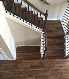 43 Ideas for hardwood stairs ideas stairways wood flooring Wooden Staircase Design, House Design, Hickory Hardwood Floors, Home, Wood Stairs, Wood Floor Colors, Remodel, Hardwood Stairs, Floor Colors
