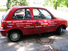 Autobeschriftung auf einem Nissan Micra. Nissan, Van, Autos, Dortmund, Vans, Vans Outfit