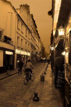 rue de Lappe - Paris 11e--rue de Lappe... © Alain Bachellier - 02/2007