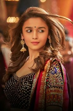 Bollywood fashion 809944314207680218 - Alia Bhatt is a lovely girl in the history of actresses. Bollywood Photos, Bollywood Stars, Bollywood Fashion, Bollywood Gossip, Bollywood Oops, Beautiful Bollywood Actress, Beautiful Actresses, Indian Celebrities, Bollywood Celebrities