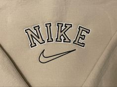 Jumper Designs, Pullover Designs, Nike Logo, Custom Clothes, Custom Shirts, Diy Embroidery Designs, Vintage Nike Sweatshirt, Nike Design, Vintage Jumper
