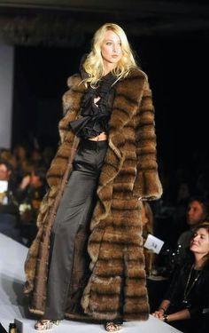sable fur coat- The absolutely ultimate Fur Fashion, Winter Fashion, Womens Fashion, Fashion Trends, Sable Fur Coat, Shearling Coat, Vintage Fur, Vintage Ideas, Fabulous Furs