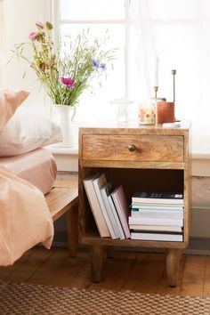 Urban Outfitters Furniture Sale - Home Deals September 2019 Apartment Furniture, Home Furniture, Furniture Ideas, Furniture Cleaning, Inexpensive Furniture, Furniture Websites, Furniture Movers, Furniture Logo, Furniture Online