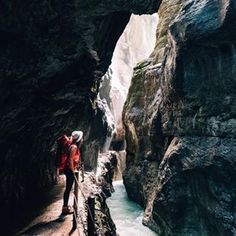 Just back from my 4 day hiking trip to the highest mountain in Germany (Zugspitze) mostly without any internet and it was lovely! First highlight was definitely this gorge called Partnachklamm we passed on the first few kilometers. Isn't it stunning? Comment if you want to see before and after oh this one! _________________________________ #enjoygermannature #ExpeditionOutdoorLife #TheTrekkinCrew #ExpeditionLife @tatonkacom #garmisch #traveloften #ilovetotravel #lifewelltraveled…