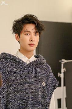 Korean Celebrities, Celebs, I Hate Boys, Handsome Korean Actors, Kim Dong, Francisco Lachowski, Kdrama Actors, Actor Model, Asian Actors