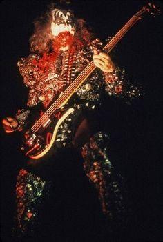 Paul ~Calgary, Alberta, Canada…July 31, 1977 (Love Gun Tour-Corral Arena) - KISS Photo (38816566) - Fanpop Kiss Images, Kiss Pictures, Gene Simmons Kiss, Eric Carr, Kiss Photo, Love Gun, Kiss Band, Ace Frehley, Hot Band