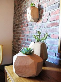 Multifaceted wood planter LARGE Wallmount par onefortythree sur Etsy, $45.00