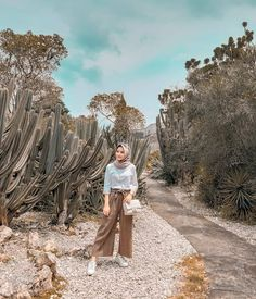 Hijab Casual, Ootd Hijab, Hijab Outfit, Outfit Essentials, Hijab Mode Inspiration, Ootd Poses, Beach Party Outfits, Hijab Fashionista, Instagram Outfits
