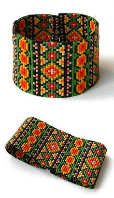 Γεια, βρήκα αυτή την καταπληκτική ανάρτηση στο Etsy στο https://www.etsy.com/listing/216186518/colorful-beadwoven-bracelet-ethnic-style