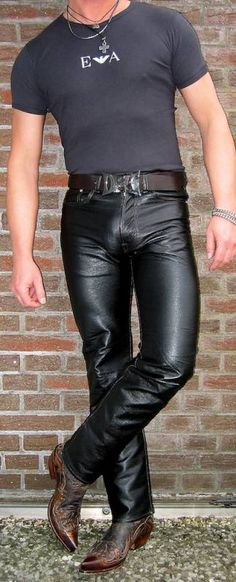 PICTUREBOX - leathertom