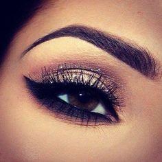 Eye Makeup Tips.Smokey Eye Makeup Tips - For a Catchy and Impressive Look Eye Makeup, Kiss Makeup, Hair Makeup, Makeup Tips, Makeup Ideas, Makeup Contouring, Makeup Trends, Airbrush Makeup, Sultry Makeup