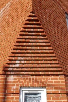 Corbelled corner detail, Salisbury