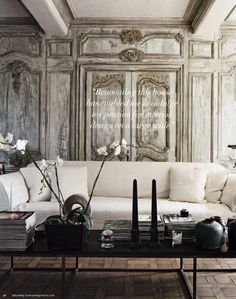 Interior design Horses Mixed Metals in Home Design making every room look fabulous. Antique and Modern. Home Living Room, Living Spaces, Trumeau, Décor Antique, Antique Interior, French Interior, Interior Modern, Boho Home, Transitional House