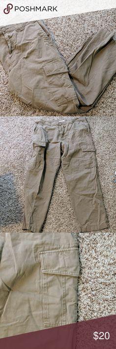 1f5b746af8 Old Navy Khaki Cargo Pants 36x32 Old Navy brand men's khaki cargo pants. 36  waist