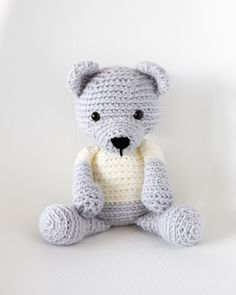 Everyone needs the squeezable love of a cute crochet teddy bear. Here are 10 adorable crochet teddy bear patterns to make as gifts for everyone you know. Crochet Teddy Bear Pattern Free, Teddy Bear Patterns Free, Knitted Teddy Bear, Crochet Patterns Amigurumi, Crochet Dolls, Free Pattern, Teddy Bears, Cute Crochet, Crochet Baby