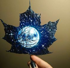 Amazing Drawings, Amazing Art, Art Sketches, Art Drawings, Painted Leaves, Painting On Leaves, Leaf Crafts, Galaxy Art, Leaf Art