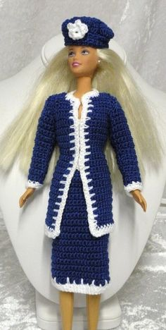 I LOVE this crocheted Barbie outfit...no pattern...but probably fairly easy...the edging is what makes it so cool !