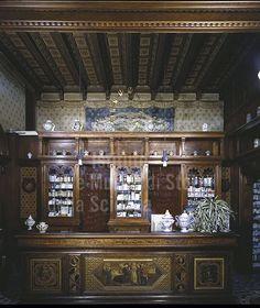"""Interno dell'Antica #Farmacia del """"Canto alle Rondini"""", #Firenze."""