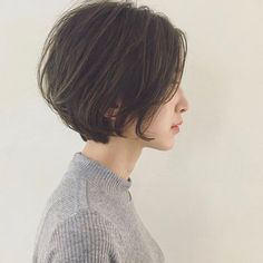 Best Bob Hairstyles & Haircuts for Women - Hairstyles Trends Short Bob Haircuts, Hairstyles Haircuts, Pretty Hairstyles, Short Hair Cuts, Short Hair Styles, Glamorous Hair, Dye My Hair, Hair Images, Smooth Hair