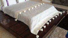 """118 """"x 78"""" marocchino coperte di lana tessuta a mano con pon pon marocchino lana / buttare"""