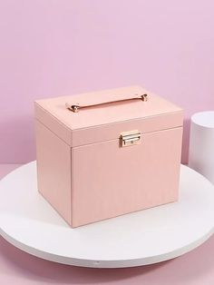Modern Jewelry Box, Large Jewelry Box, Jewellery Storage, Jewelry Organization, Diy Jewellery Box Ideas, Diy Jewellery Box Cardboard, Makeup Storage Box, Makeup Box Diy, Makeup Case
