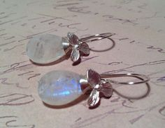 25 OFF with code 25OFF / AAA Moonstone 16mm Pear by ZenGem on Etsy, $48.00