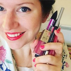By http://www.instagram.com/miss_magpie_spy / 800 selfies later......here I am! All the @cliniqueuk make up (and filters galore) packed all my pens and ready to head to @harrods to draw draw draw #cliniquemagpie #clinique #merryclinique #liveillustration #missmagpiefashionspy #makeup #love #instacool #instadaily