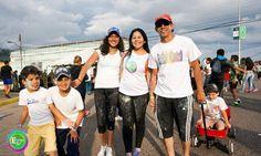 """Jesus """"Chucho New Wave"""" y su familia disfrutando del Ecolors 5K @chucho_newwave"""