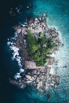 souhailbog: Tropic Island By Tobias Häg