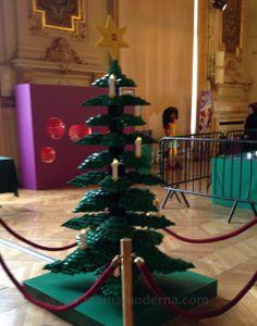 Árbol navideño de Lego, una exposición muy divertida en Levallois.