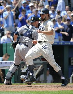 Eric Hosmer Photos - New York Yankees v Kansas City Royals - Zimbio