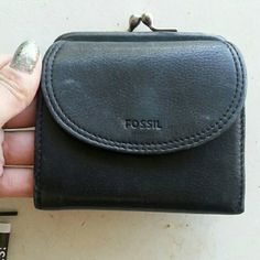 Leather fossil wallet Like new has room for everything Fossil Accessories