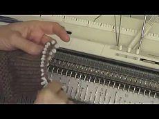 Интересный способ закрытия петель на резинке 2*1 - YouTube