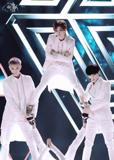tao  luhan  lay #exo YAS!! Werk! They look so good!! X3 but Krees!!!!!!