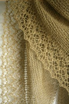 Beautiful lace edging- Rock Island by Jared Flood knit by Luminen,  |  Rock Island is on my knitting Bucket List, too!  Thisis a gorgeous version!