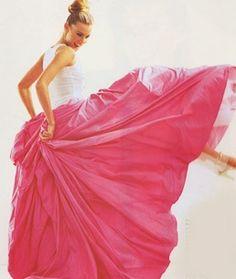 Voluminous pink skirt By Isaac Mizrahi