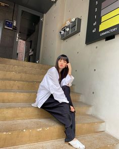 Jang Yeeun, Clc, Blackpink Jisoo, Korean Women, Style Icons, Girl Group, Cool Girl, Raincoat, Normcore