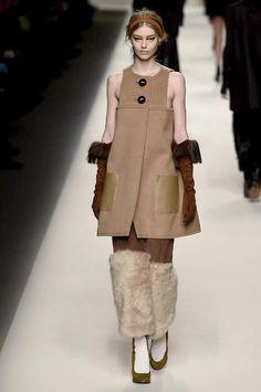 Fendi at Milan Fashion Week Fall 2015 - Runway Photos Doutzen Kroes, Moschino, Fendi Designer, Milano Fashion Week, Milan Fashion, Fall Winter 2015, Ready To Wear, Fashion Show, Normcore