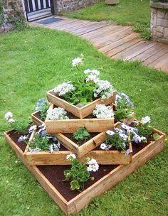Loslegen mit Holz! Die 14 schönsten Pflanzkübel aus Holz, die in jedem Garten strahlen werden! - DIY Bastelideen
