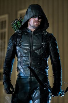 "dmichellewrites: "" saebrfan: "" Oliver Queen as the Green Arrow Promo Still from ""The Ties That Bind"" "" "" Arrow Serie, Arrow Tv Series, Oliver Queen Arrow, Arrow Cosplay, Arrow Cw, Team Arrow, Series Dc, Netflix Series, Arrow Dc Comics"