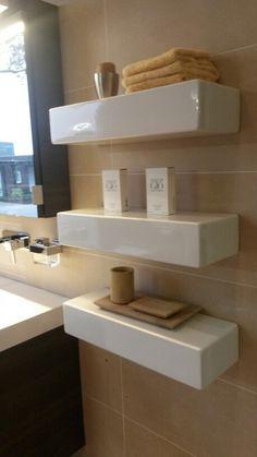 (Welbie Sanitair) Deze robuuste Planchet Clou  Bricks zijn van wit keramiek  met een verdekte bevestiging. www.welbie.nl